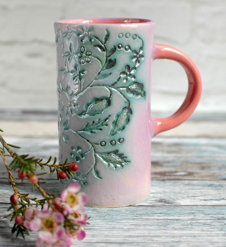 картинка Высокий бокал с цветами - DishWishes.Ru