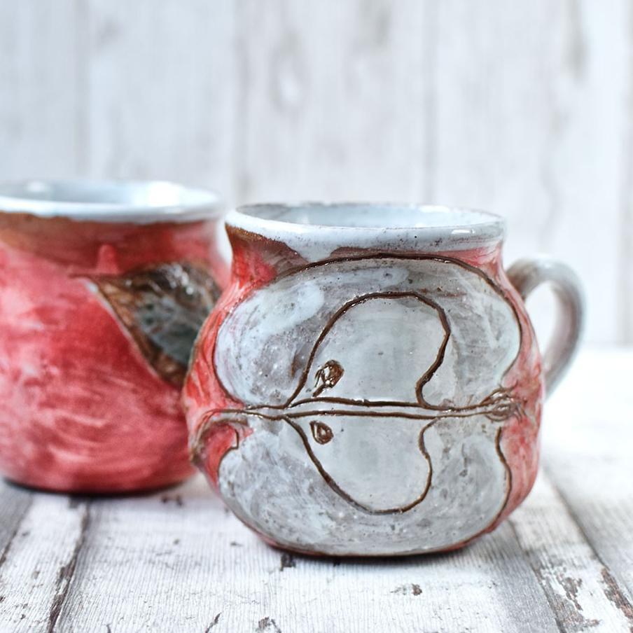 """картинка Керамическая чашка ручной работы """"Яблоко"""" - DishWishes.Ru"""