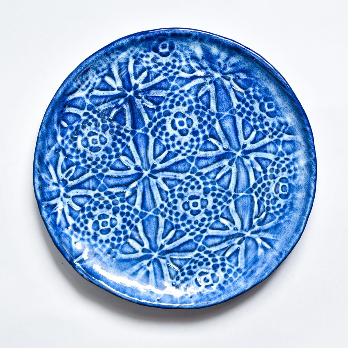 """картинка Керамическая тарелка с кружевом """"Морозные узоры"""" 3 - DishWishes.Ru"""