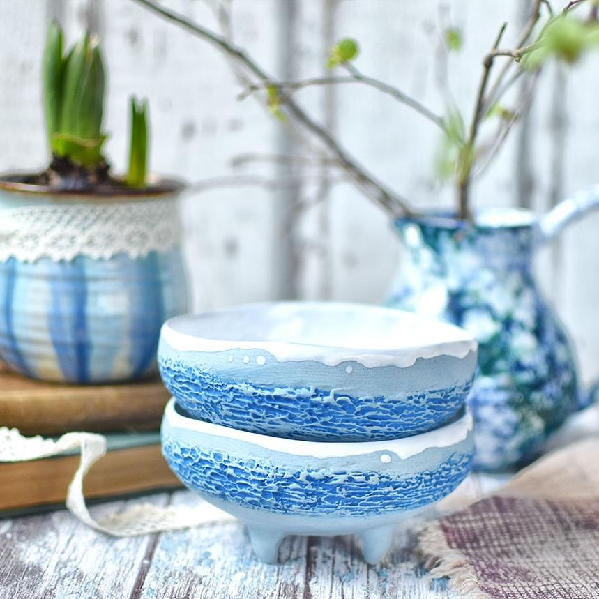 картинка Голубая пиала на ножках - DishWishes.Ru