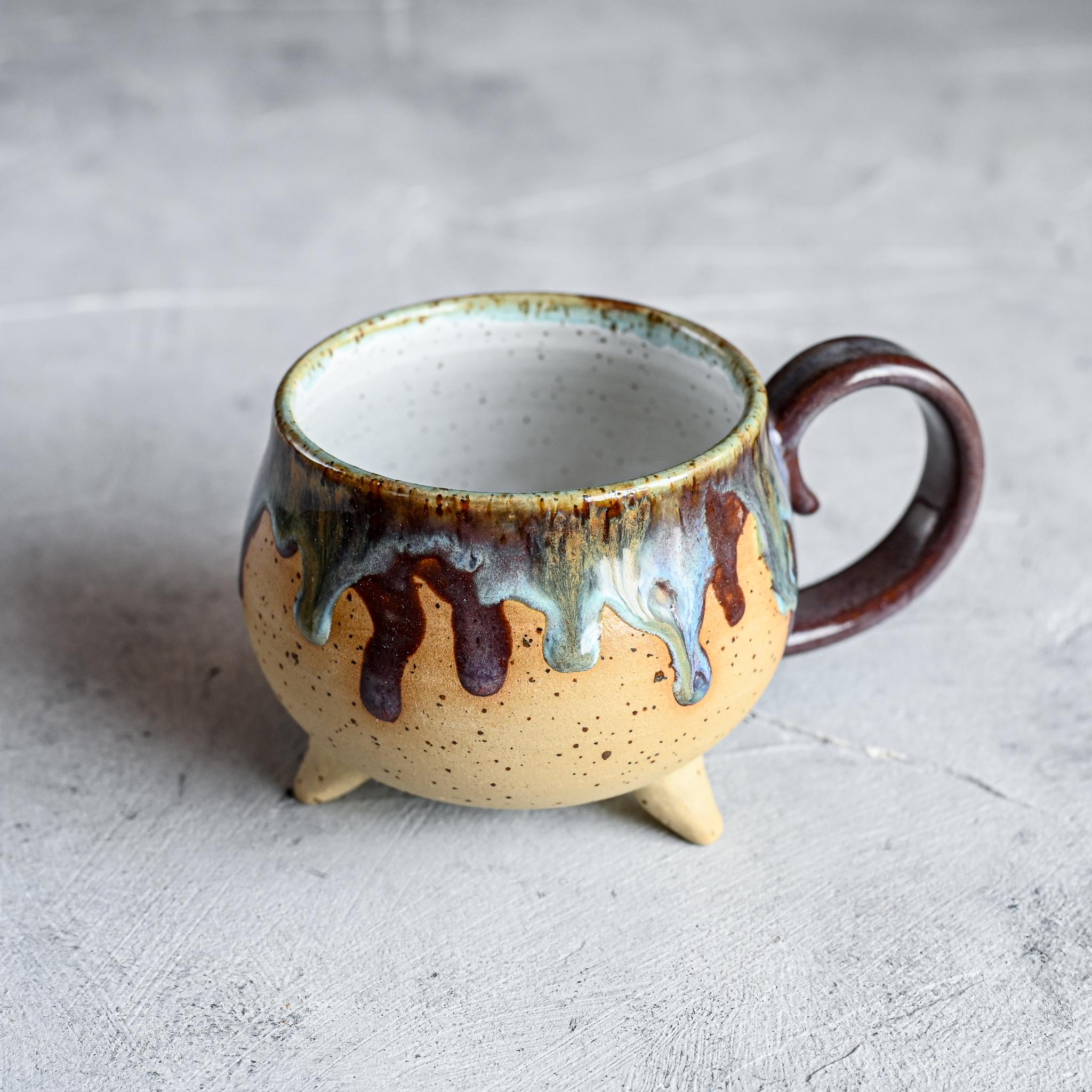 картинка Чашка на ножках Виктории Юрьевой 4 - DishWishes.Ru