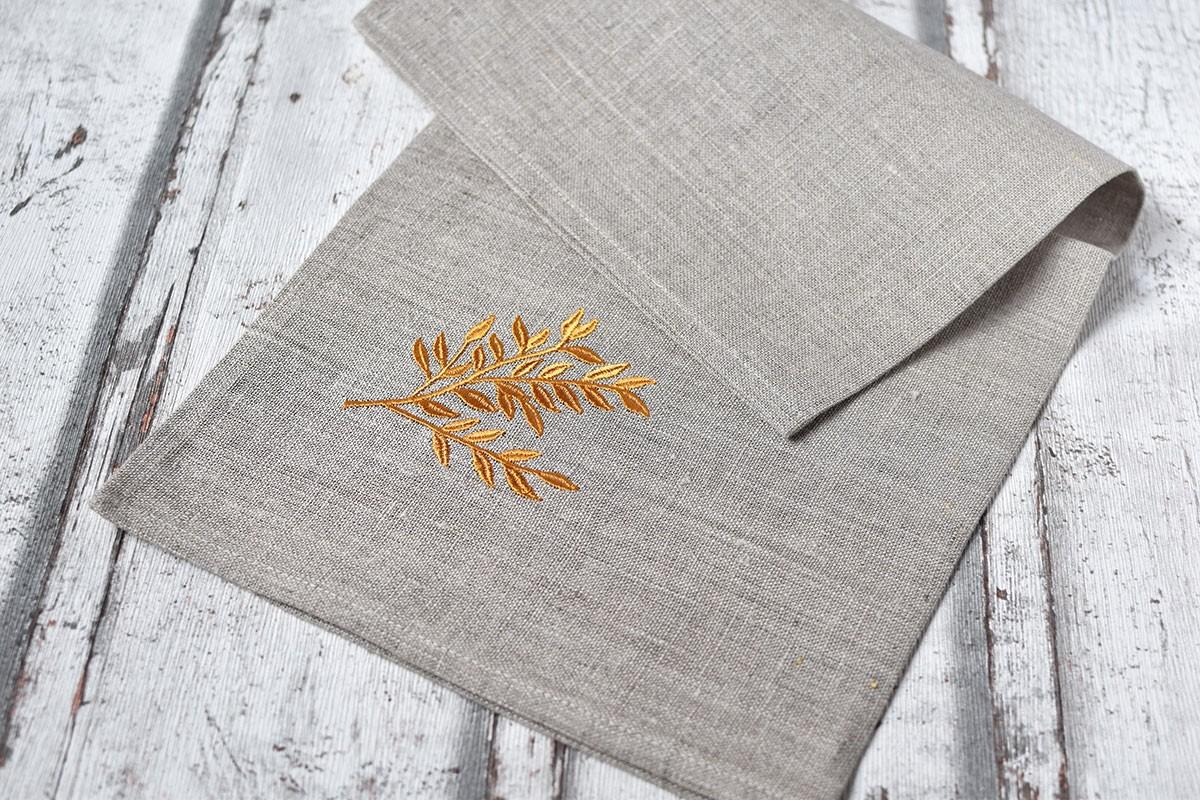 """картинка Льняная салфетка с вышивкой """"Золотая ветвь"""" - DishWishes.Ru"""