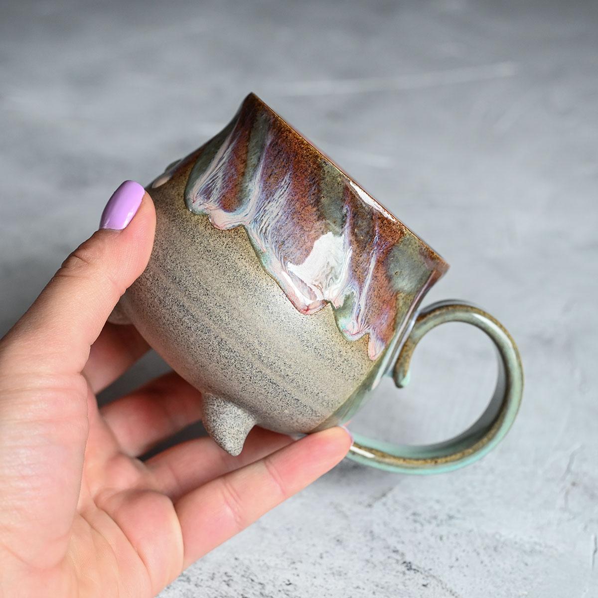 картинка Чашка на ножках Виктории Юрьевой 1 - DishWishes.Ru