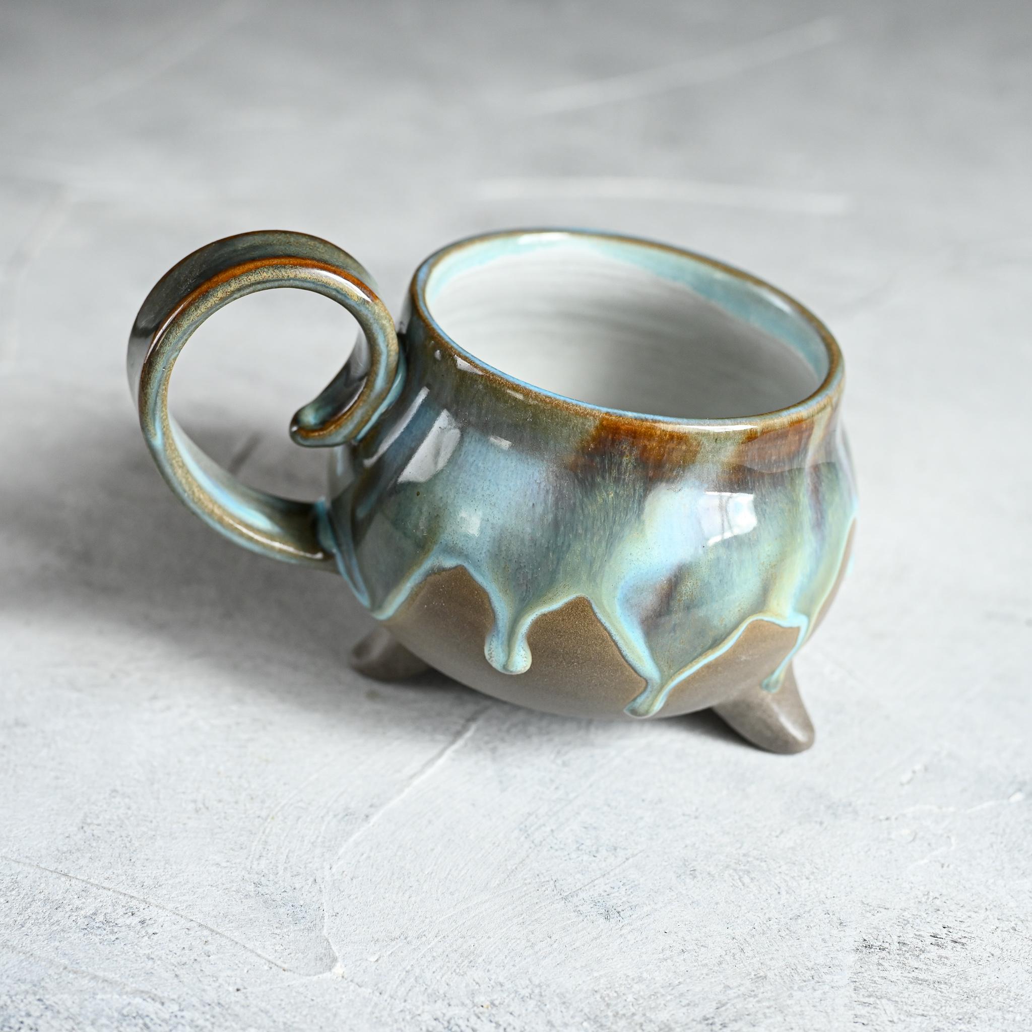 картинка Чашка на ножках Виктории Юрьевой 12 - DishWishes.Ru