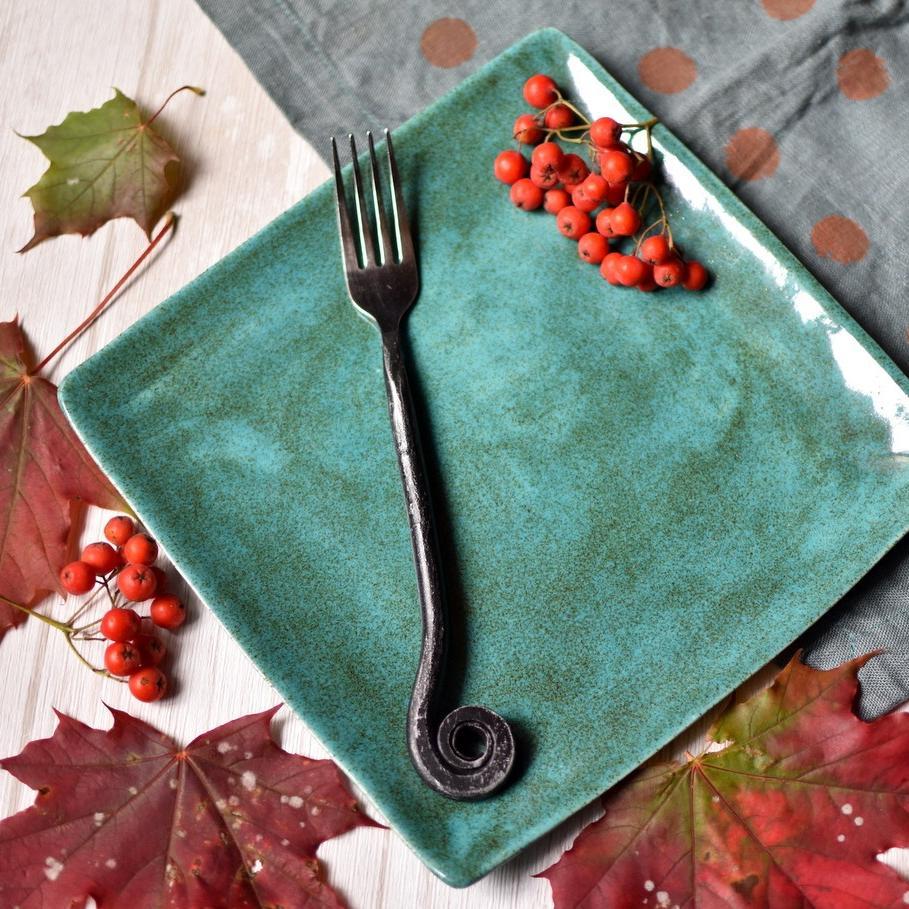 """картинка Квадратная керамическая тарелка ручной работы """"Малахит"""" - DishWishes.Ru"""
