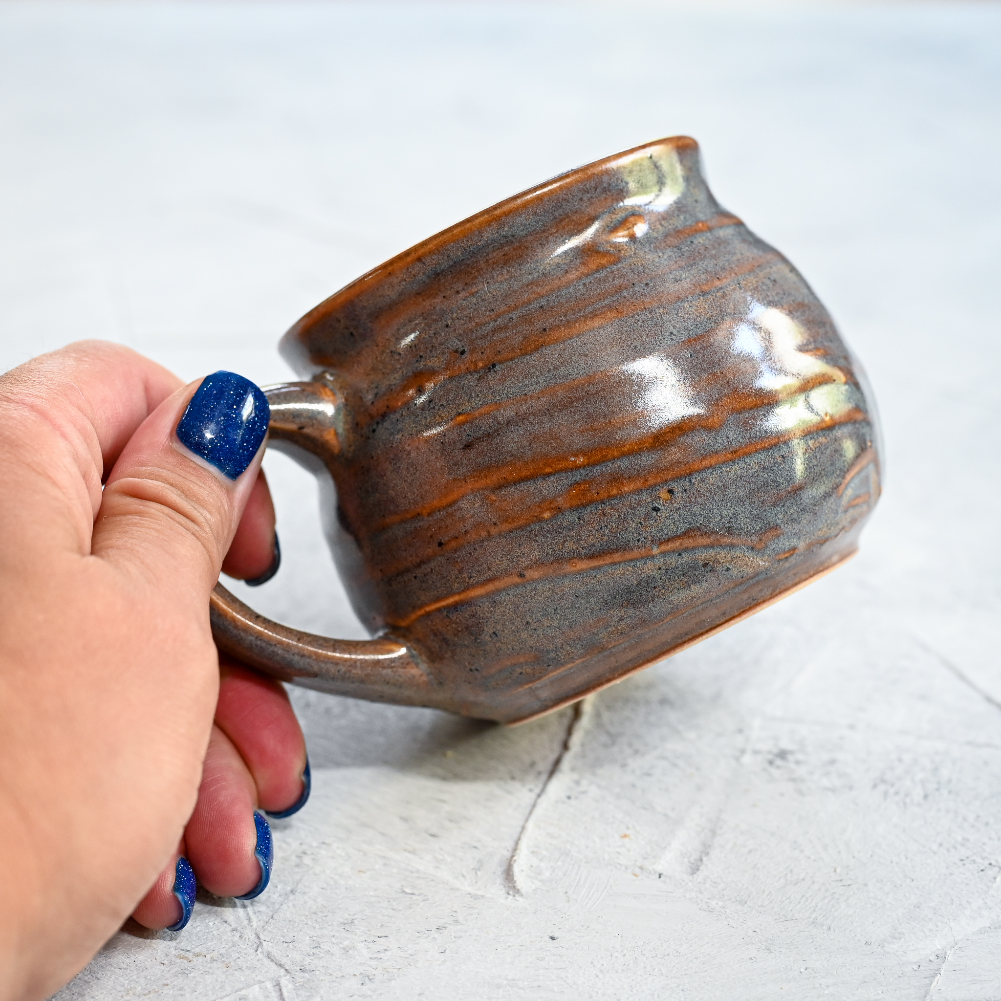 """картинка Небольшая кружка ручной работы из серии """"Карамельки"""" 6 - DishWishes.Ru"""