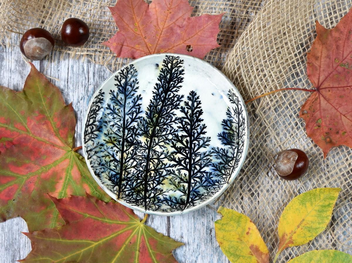 """картинка Небольшая керамическая тарелка """"Полевые травы"""" - DishWishes.Ru"""
