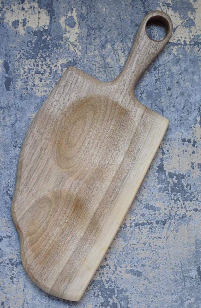 картинка Сервировочная доска с изогнутым краем и углублениями - DishWishes.Ru