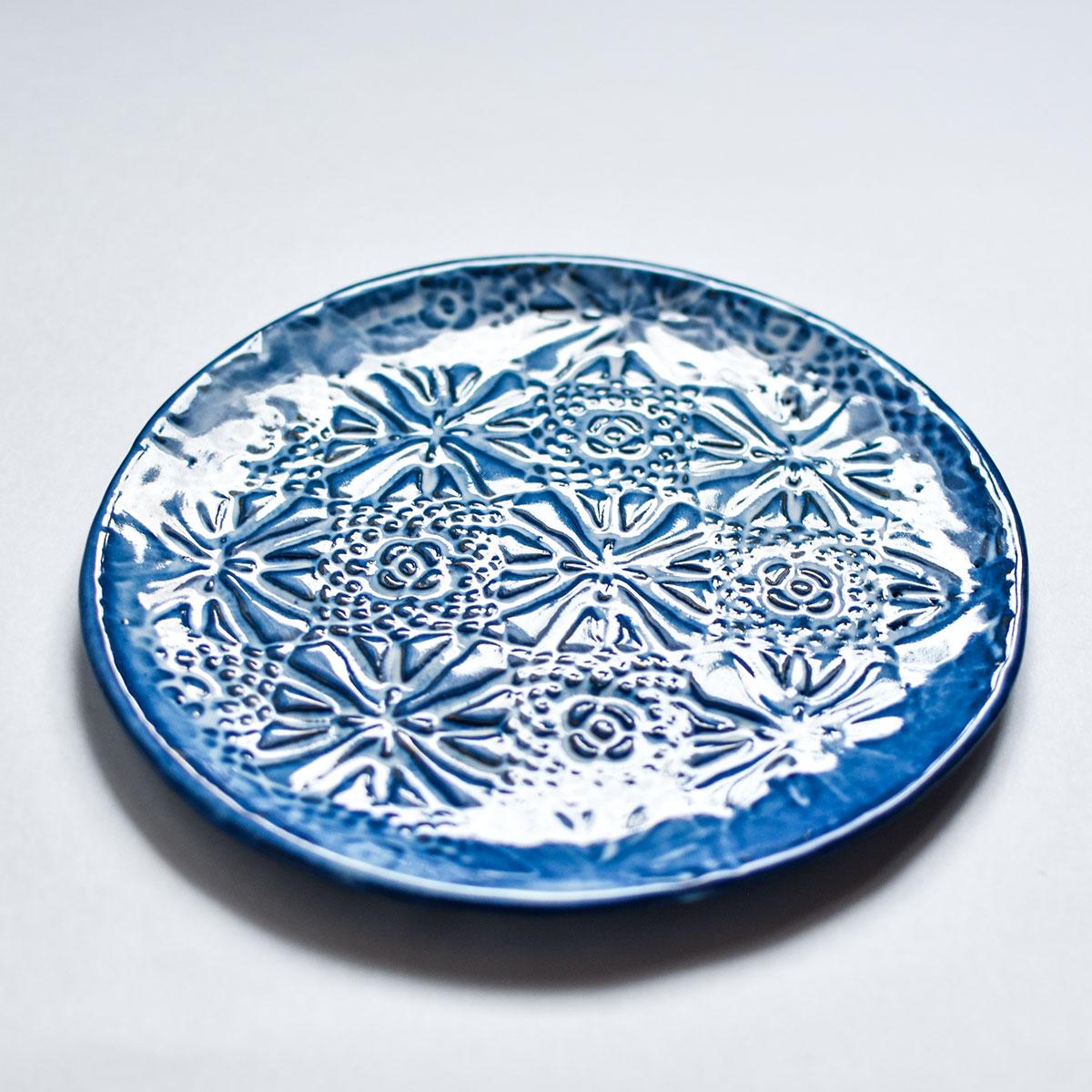 """картинка Керамическая тарелка с кружевом """"Морозные узоры"""" 2 - DishWishes.Ru"""