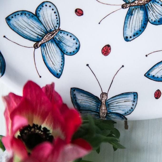 "картинка Овальная тарелка ""Голубые мотыльки"" - DishWishes.Ru"