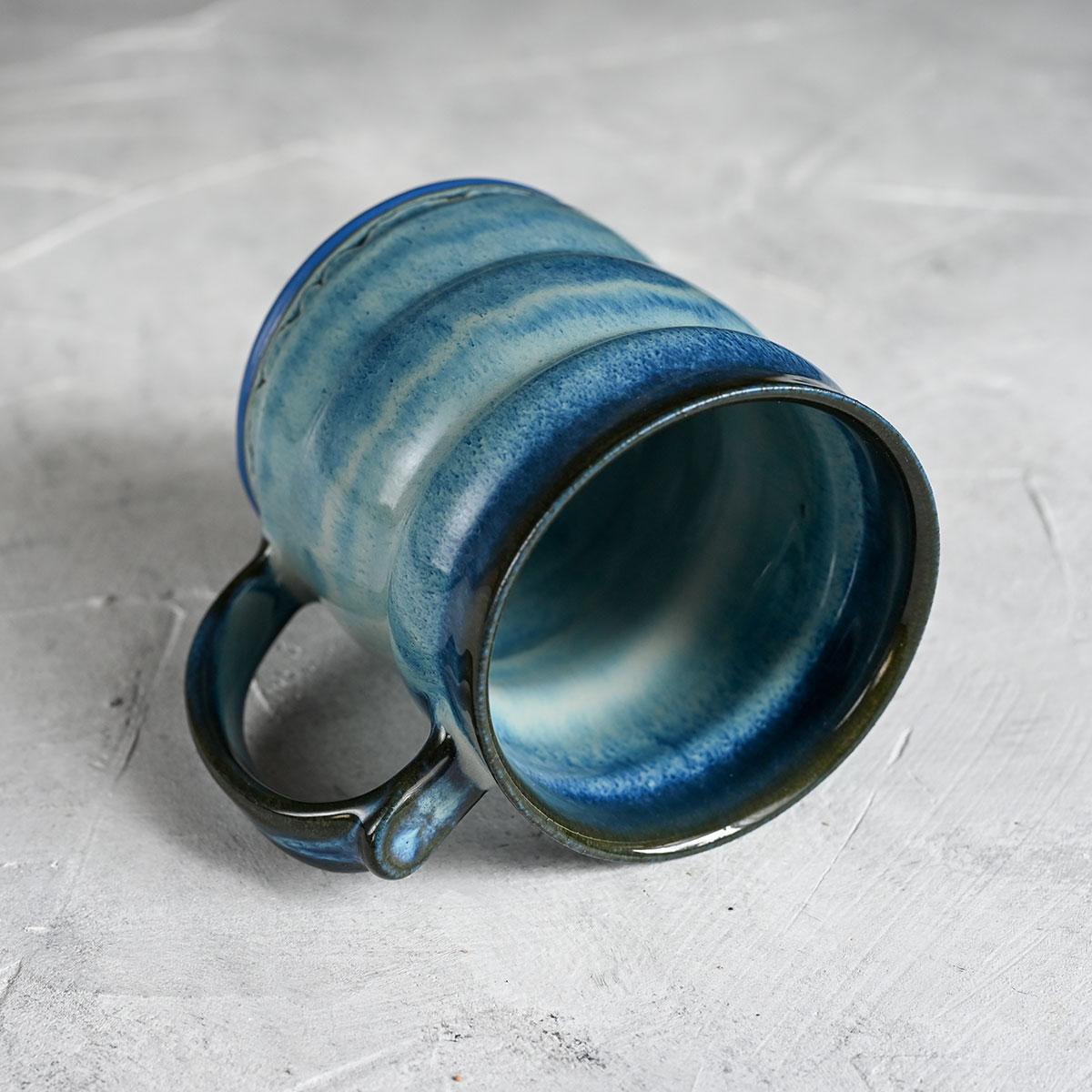 картинка Кружка из синего фарфора большая голубая - DishWishes.Ru