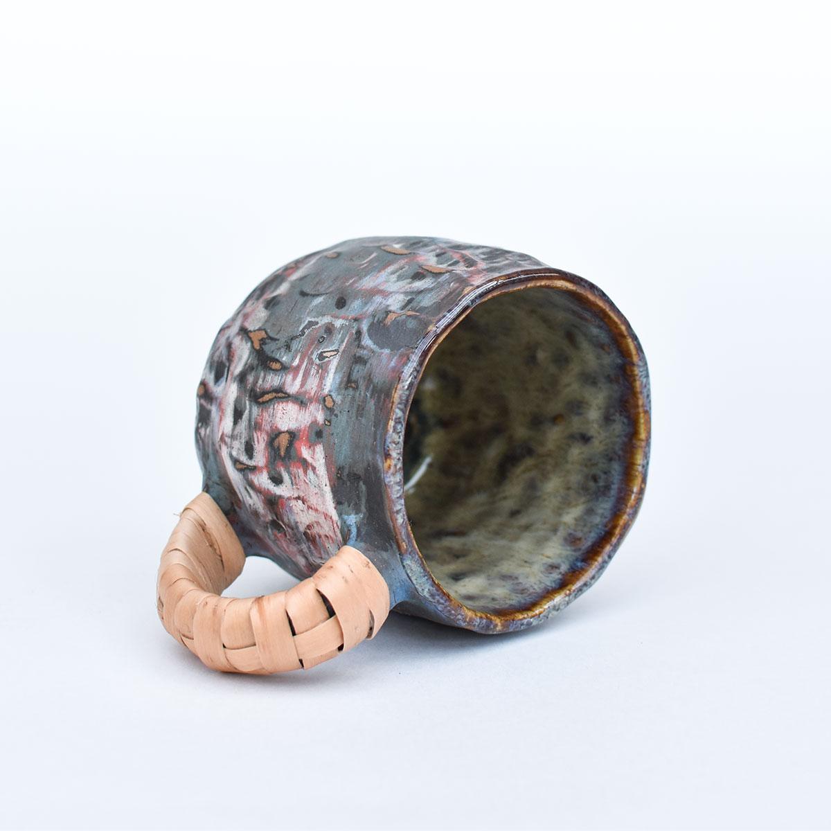 картинка Лепная кружка с оплетенной ручкой 09 - DishWishes.Ru