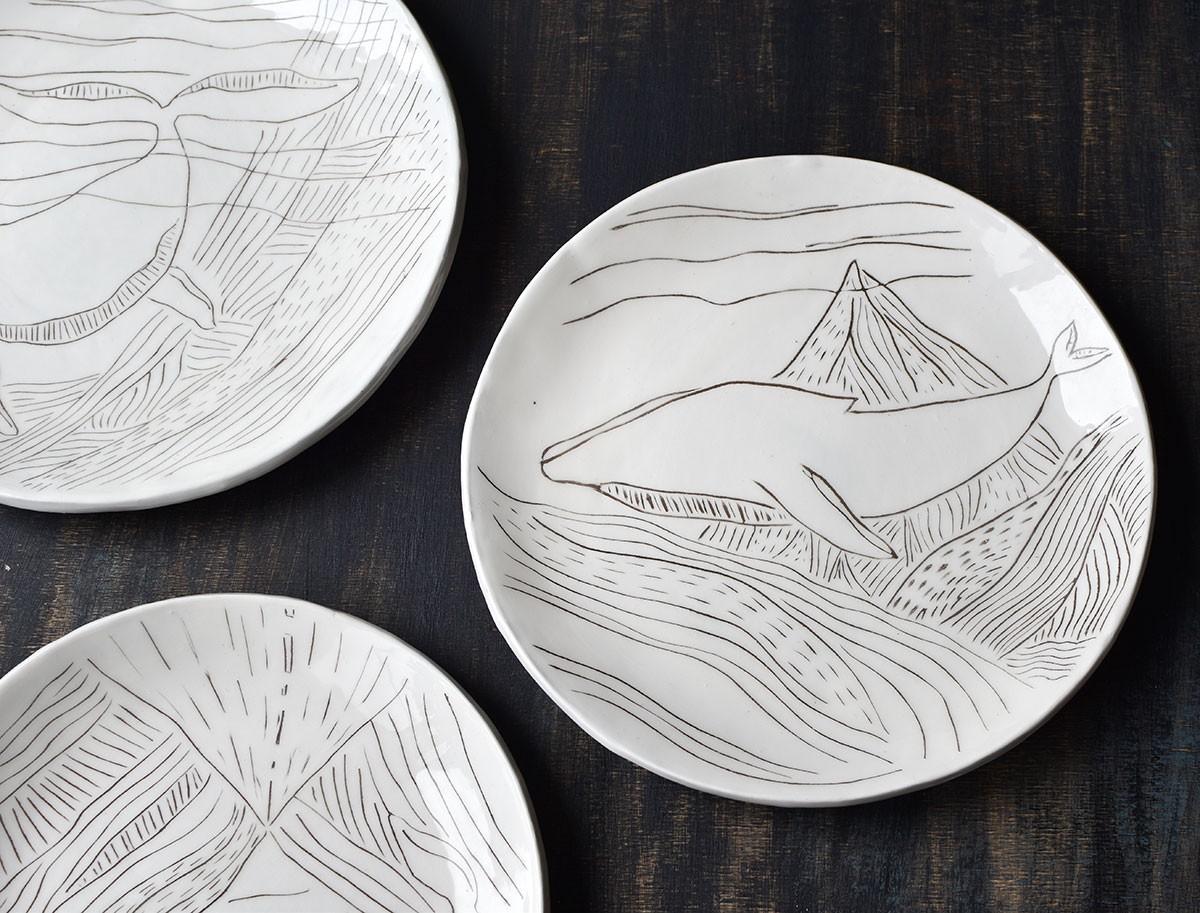 "картинка Набор керамических тарелок ""Киты"" - DishWishes.Ru"