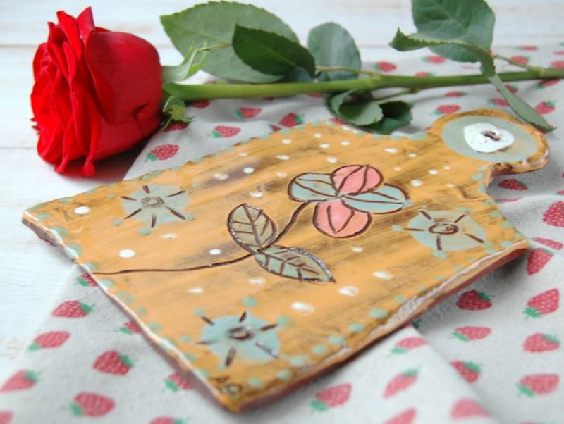 картинка Керамическая досочка с цветком - DishWishes.Ru