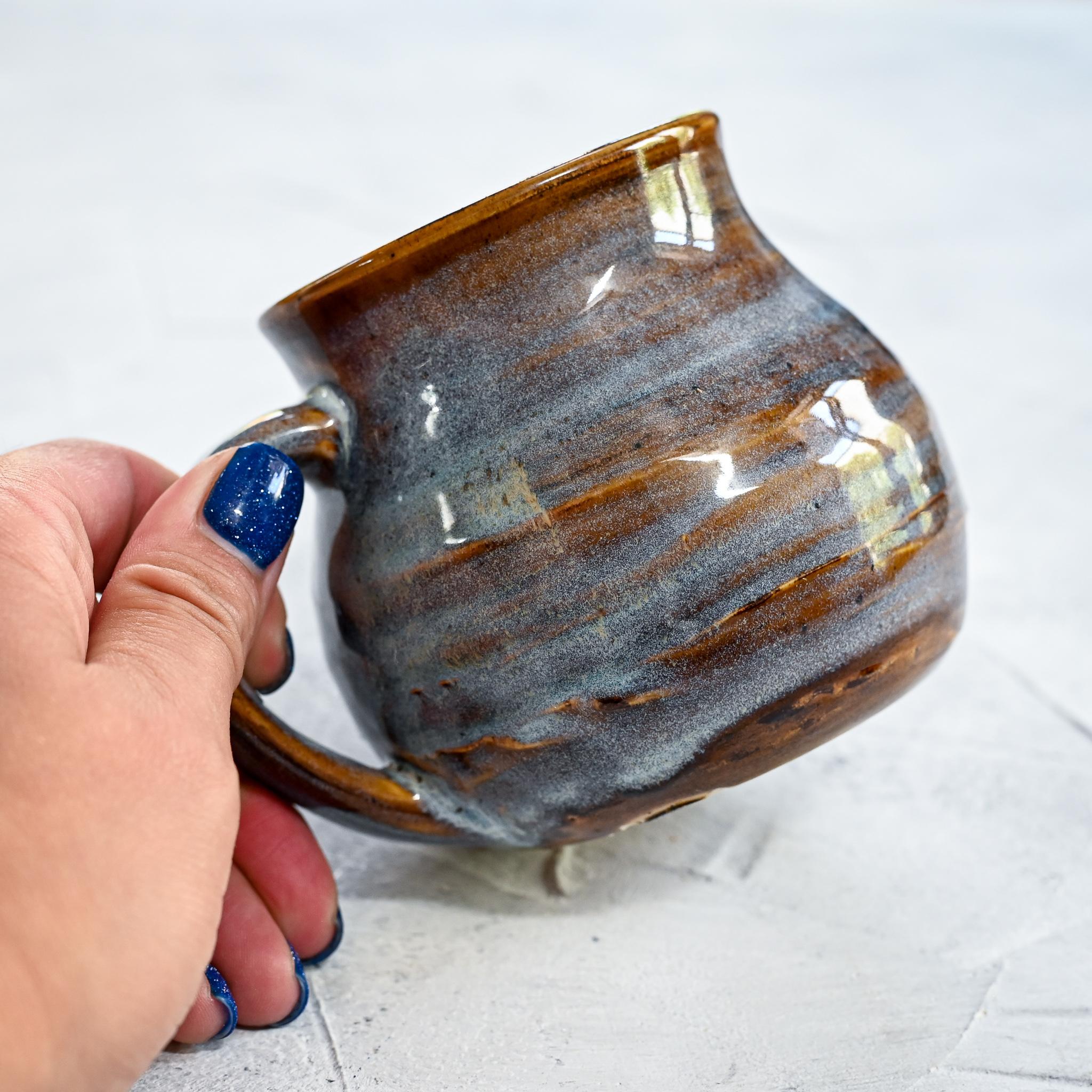 """картинка Небольшая кружка ручной работы из серии """"Карамельки"""" 9 - DishWishes.Ru"""