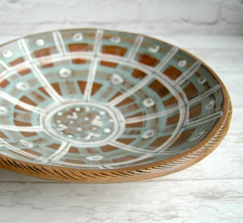 """картинка Большое керамическое блюдо ручной работы """"Клетка"""" - DishWishes.Ru"""