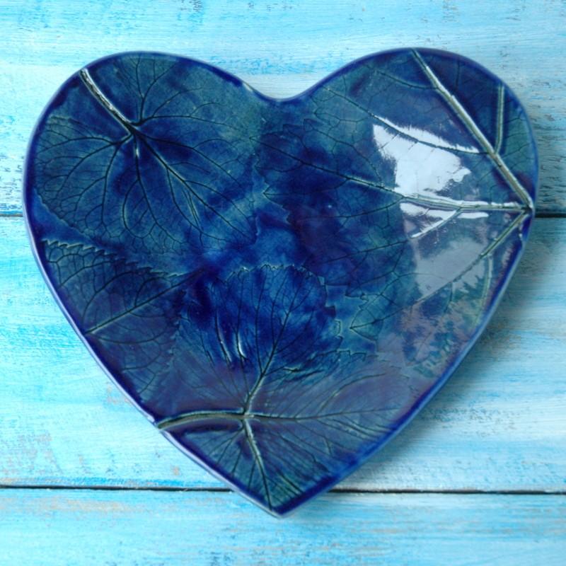 "картинка Тарелка-сердце ""Листья"" - DishWishes.Ru"