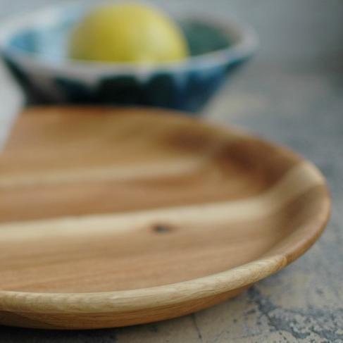 картинка Небольшая светлая тарелка - DishWishes.Ru