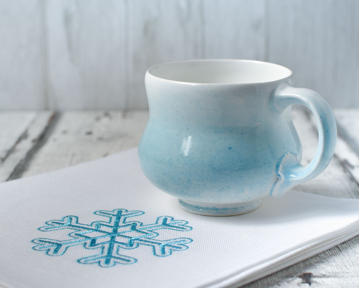 "картинка Салфетка с вышивкой ""Снежинка"" - DishWishes.Ru"