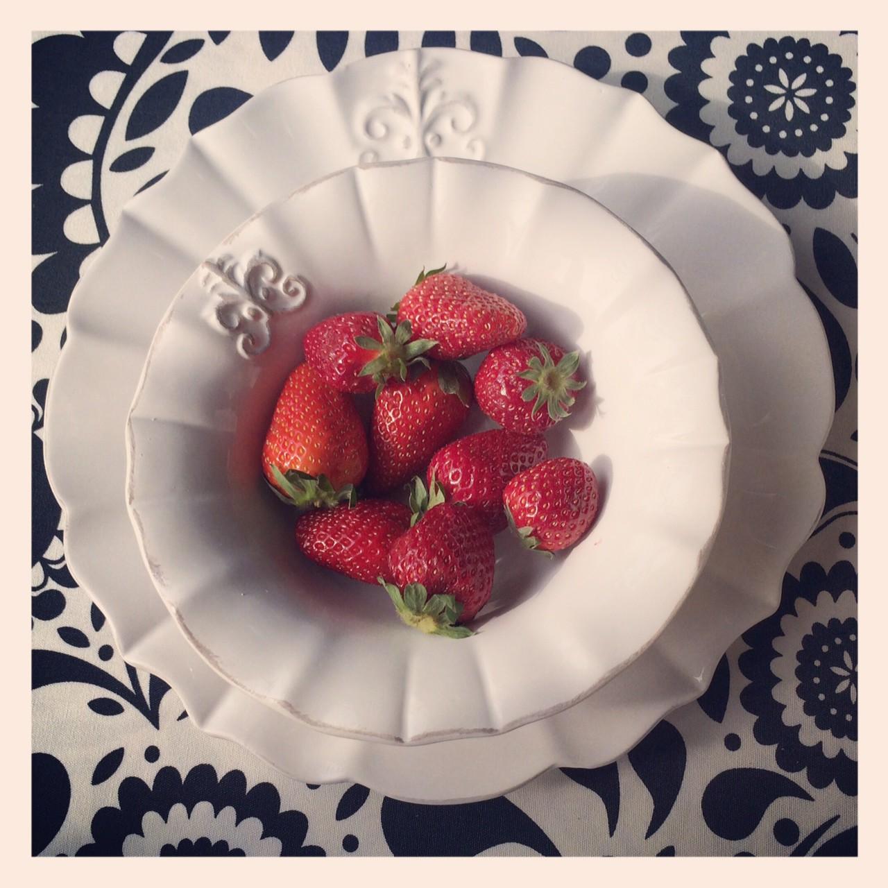 картинка Глубокая тарелка Флер Де Лис - DishWishes.Ru