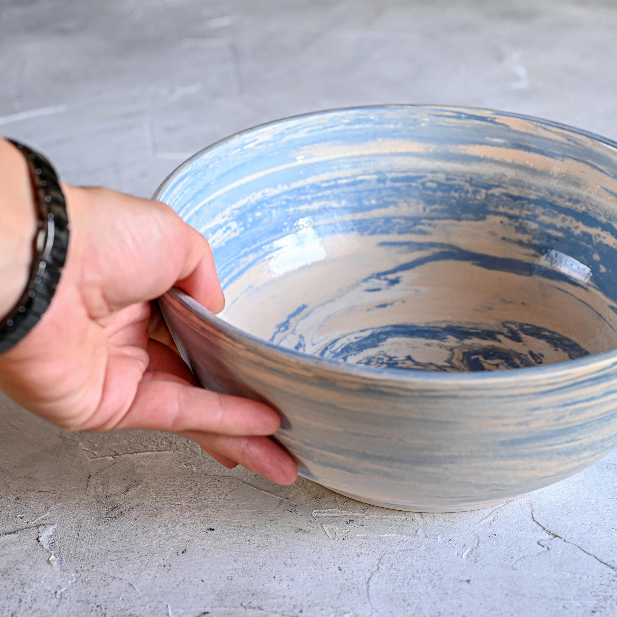 картинка Большое блюдо в технике нериаге голубое - DishWishes.Ru