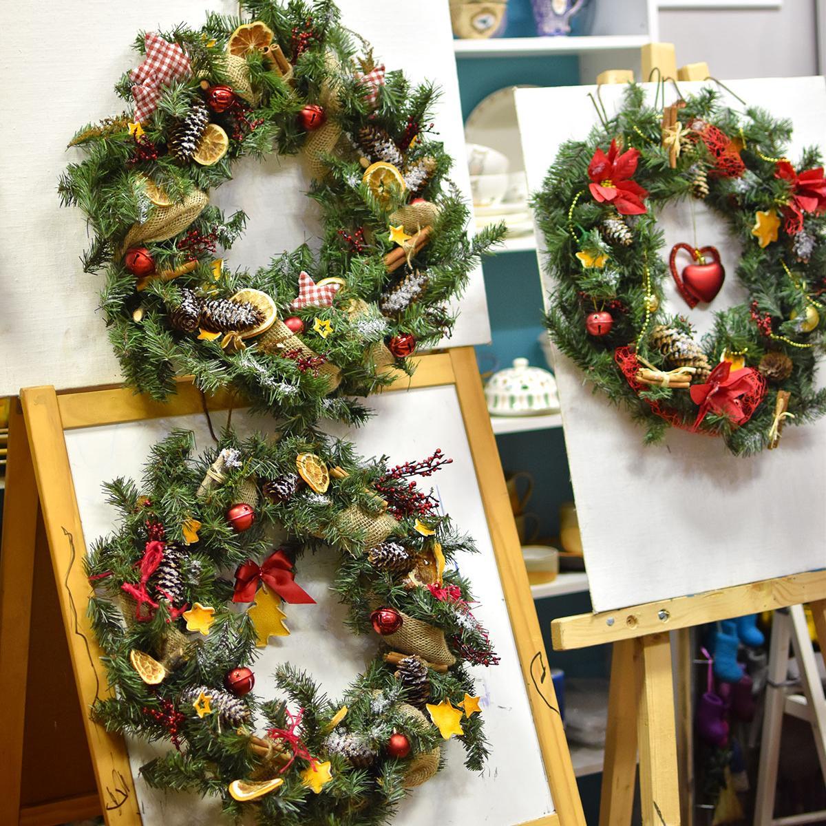 Новогоднее волшебство в Девишечной: Рождественский венок.