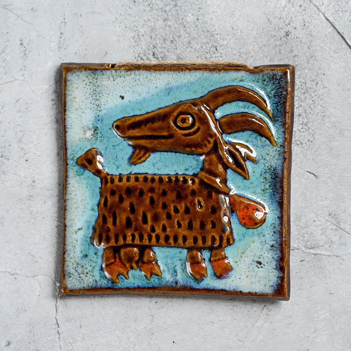 """картинка Изразец ручной работы """"Коза"""" 2 - DishWishes.Ru"""