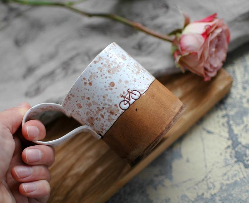 "картинка Чашка с велосипедом ""Веснушки"" - DishWishes.Ru"