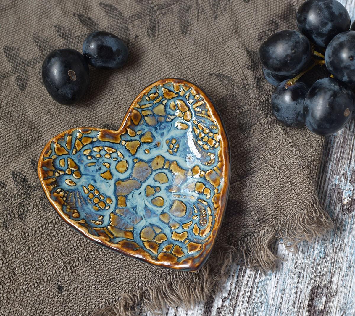 "картинка Декоративная тарелка ""Кружевное сердце"" - DishWishes.Ru"