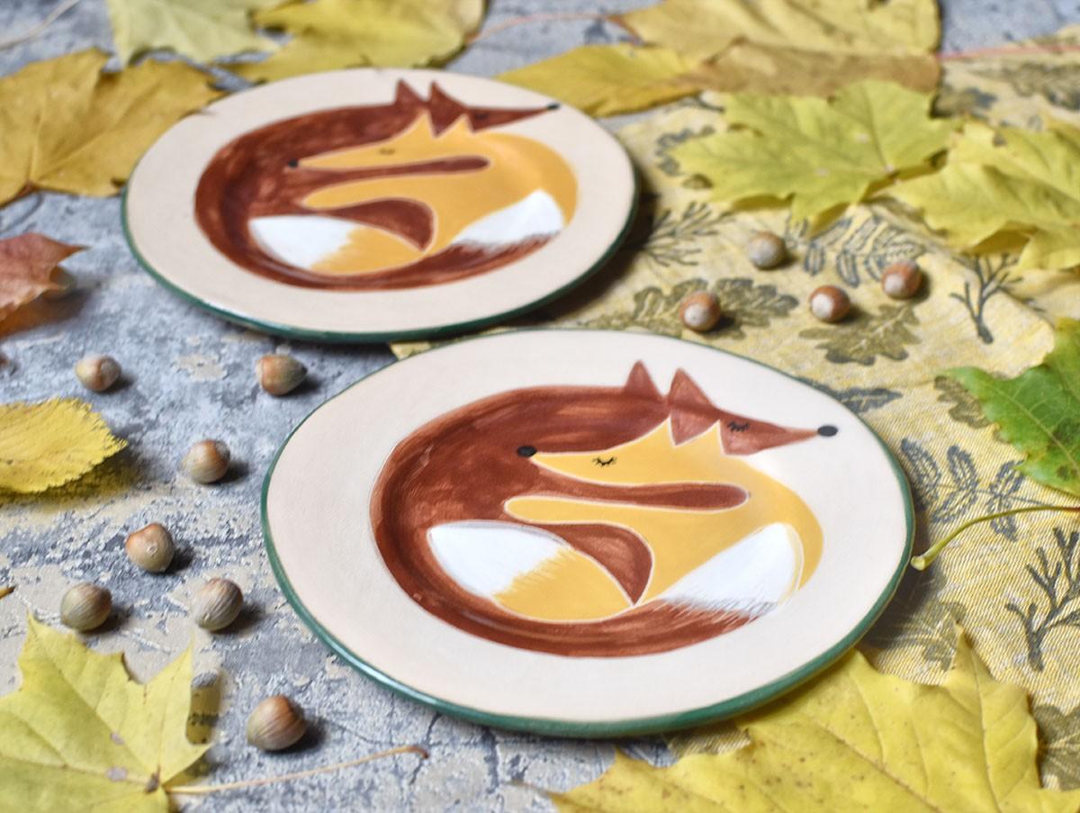 """картинка Керамическая тарелка """"Влюбленные лисы"""" - DishWishes.Ru"""