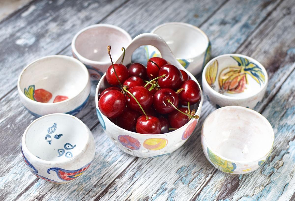 картинка Керамическая ягодница - DishWishes.Ru