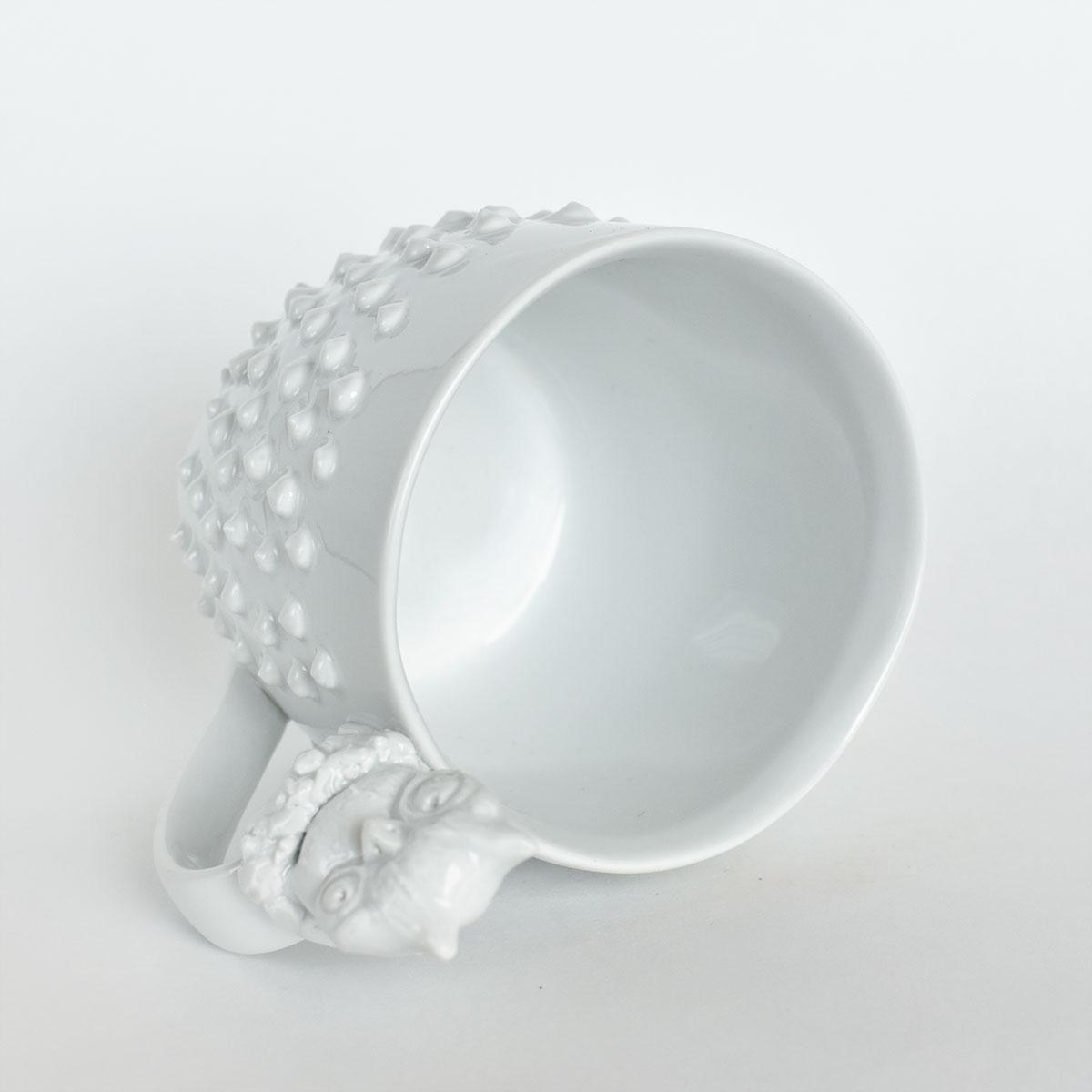 картинка Большая белая кружка с шипами и совой - DishWishes.Ru