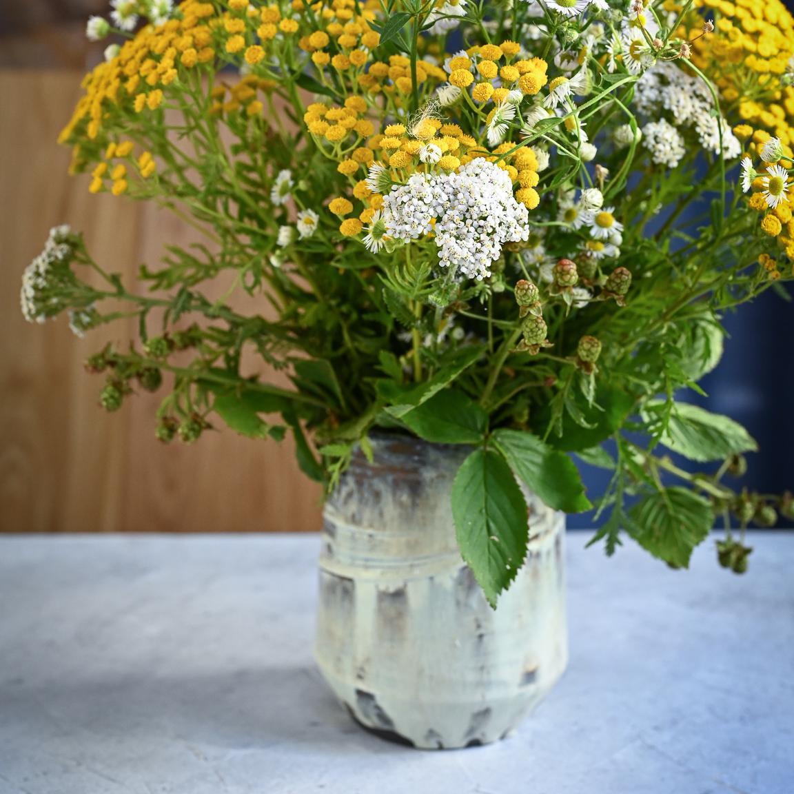 """картинка Небольшая керамическая ваза """"Белые ночи"""" - DishWishes.Ru"""