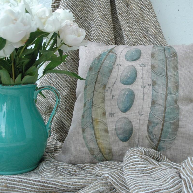"картинка Чехол на подушку ""Перья и камни"" - DishWishes.Ru"