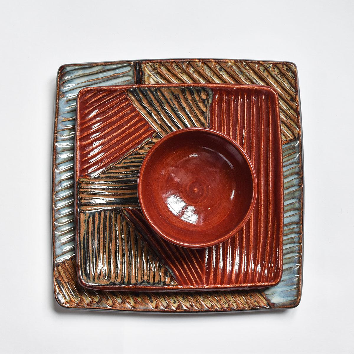 "картинка Квадратная тарелка ""Пэчворк"" красные оттенки - DishWishes.Ru"