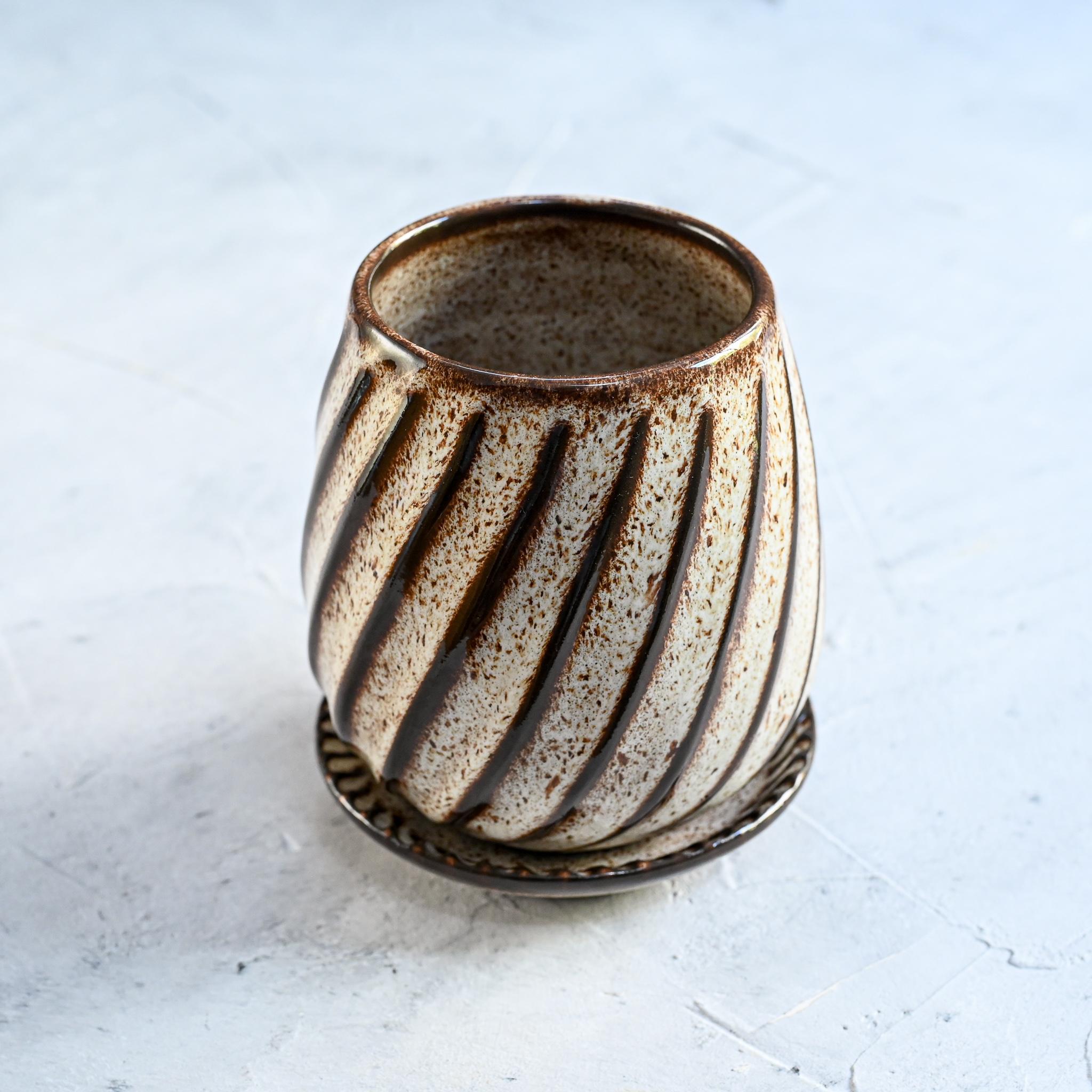 """картинка Керамический стакан для ложек из серии """"Линии"""" - DishWishes.Ru"""