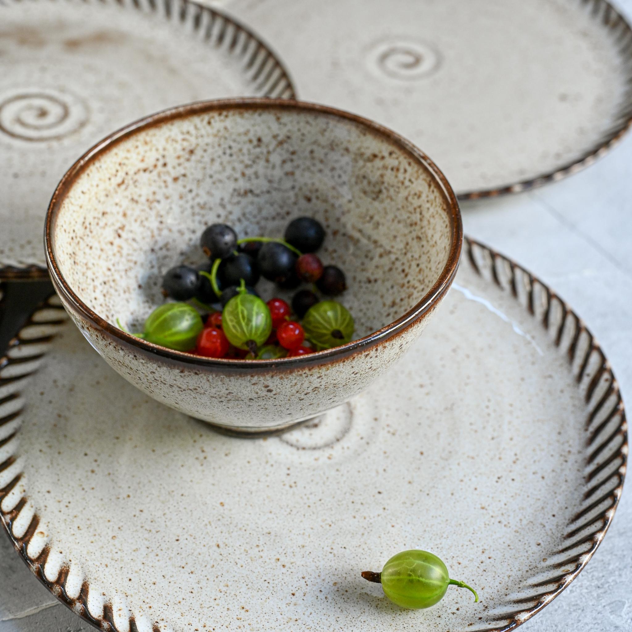 """картинка Керамическая тарелка из серии """"Линии"""" 20 см - DishWishes.Ru"""