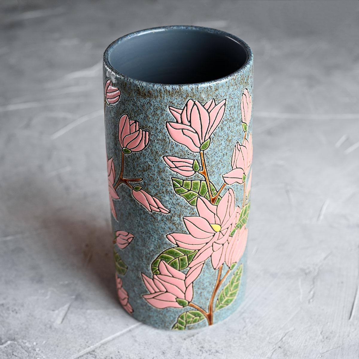 картинка Высокая ваза с магнолиями - DishWishes.Ru
