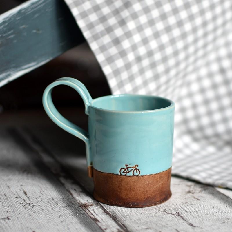 картинка Керамическая чашка с велосипедом - DishWishes.Ru
