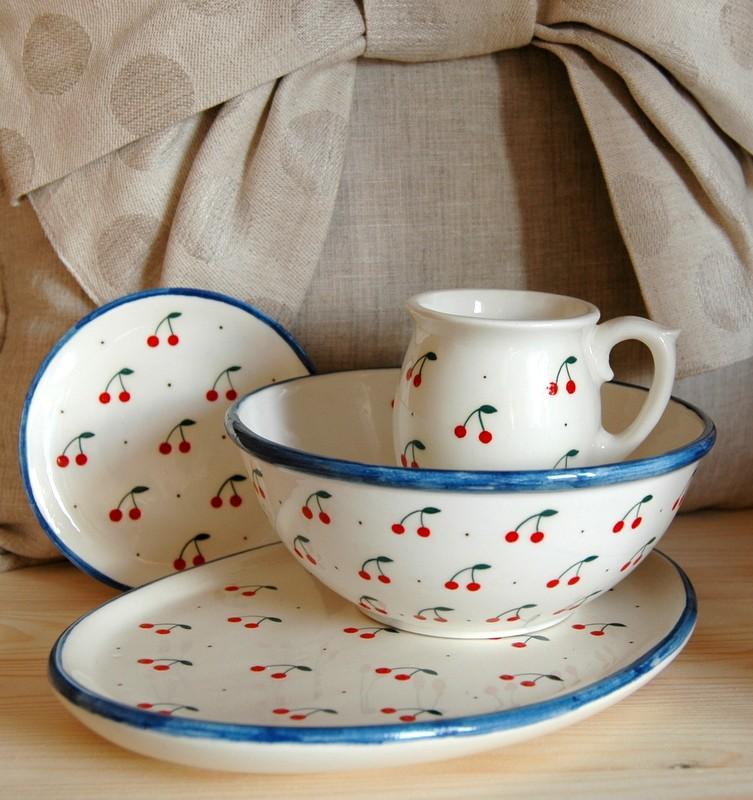 """картинка Овальная тарелка с авторской росписью """"Вишенки"""" - DishWishes.Ru"""