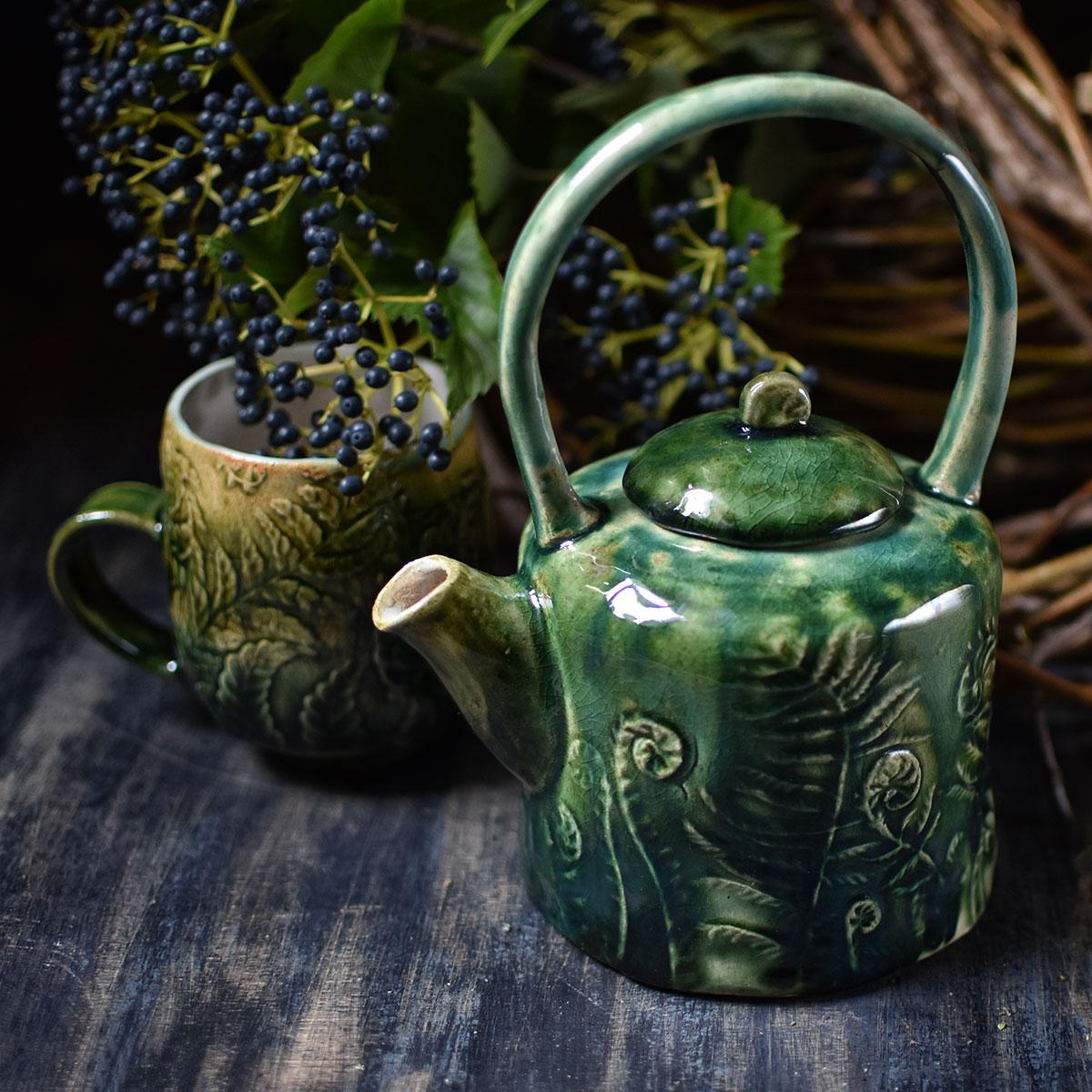 "картинка Керамический чайник ""Папоротники"" - DishWishes.Ru"