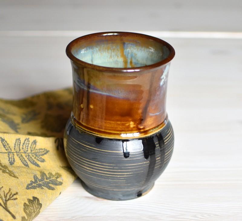 картинка Керамическая ваза ручной работы в форме крынки - DishWishes.Ru