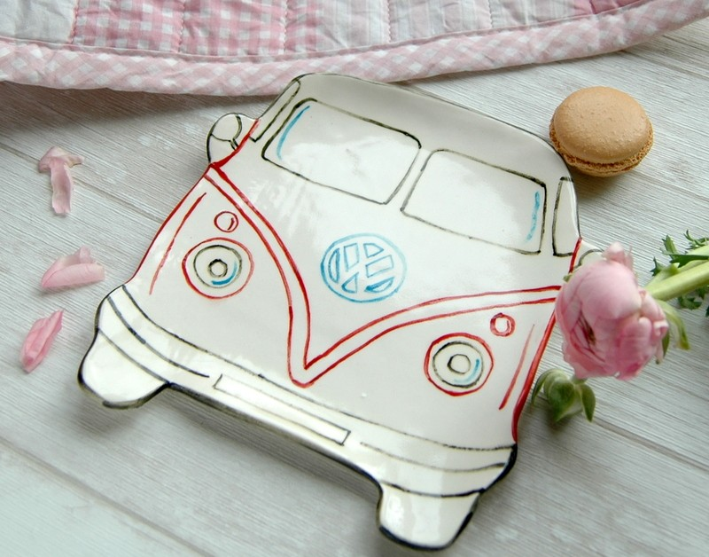 """картинка Керамическая тарелка ручной работы """"Машина"""" - DishWishes.Ru"""