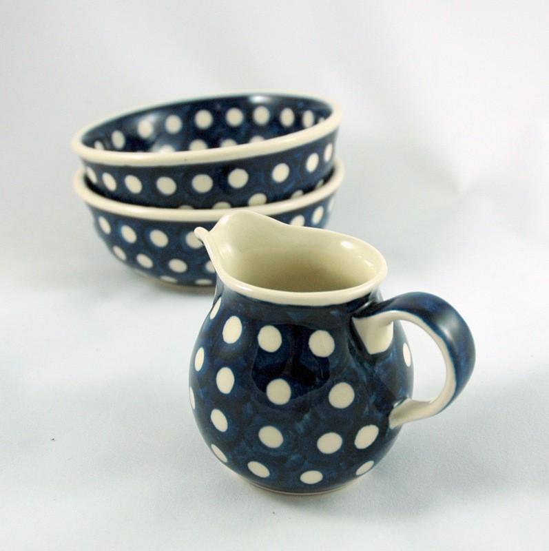 картинка Синий сливочник с белыми горохами - DishWishes.Ru