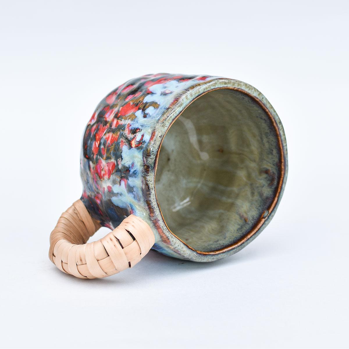 картинка Лепная кружка с оплетенной ручкой 01 - DishWishes.Ru
