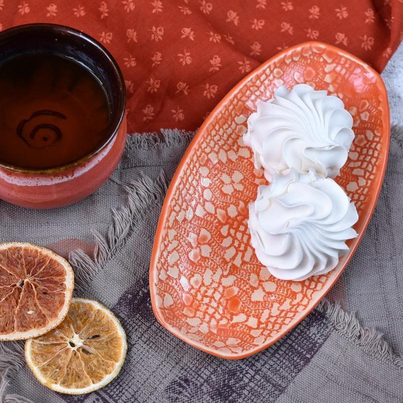 картинка Овальная тарелка с рельефным узором - DishWishes.Ru