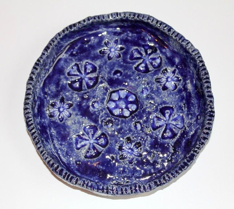 картинка Синяя тарелка с цветами - DishWishes.Ru