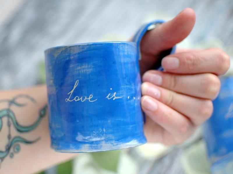 "картинка Керамическая чашка ""Love is ..."" - DishWishes.Ru"