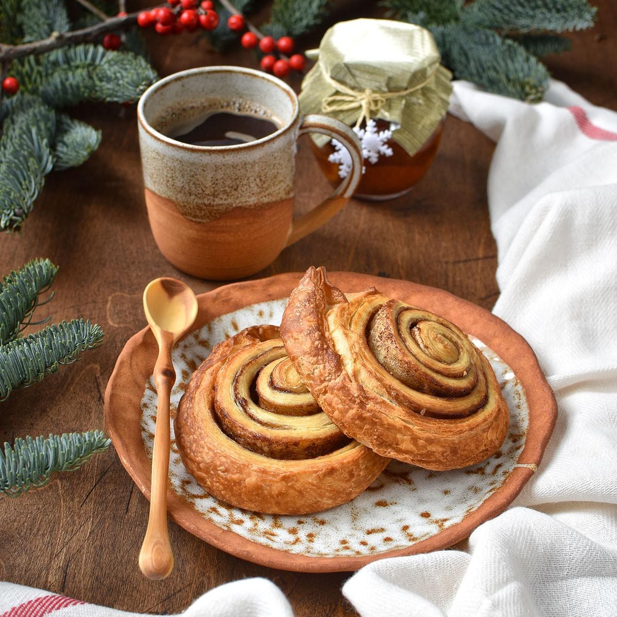 "картинка Керамическая тарелка ""Рождественский кекс"" - DishWishes.Ru"
