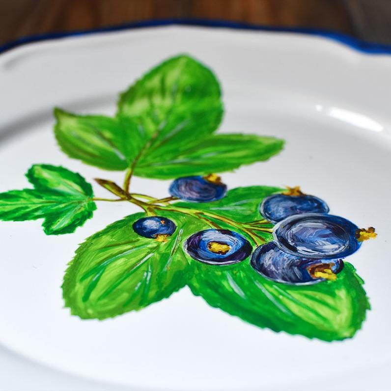 """картинка Декоративная тарелка с авторской росписью """"Смородина"""" - DishWishes.Ru"""